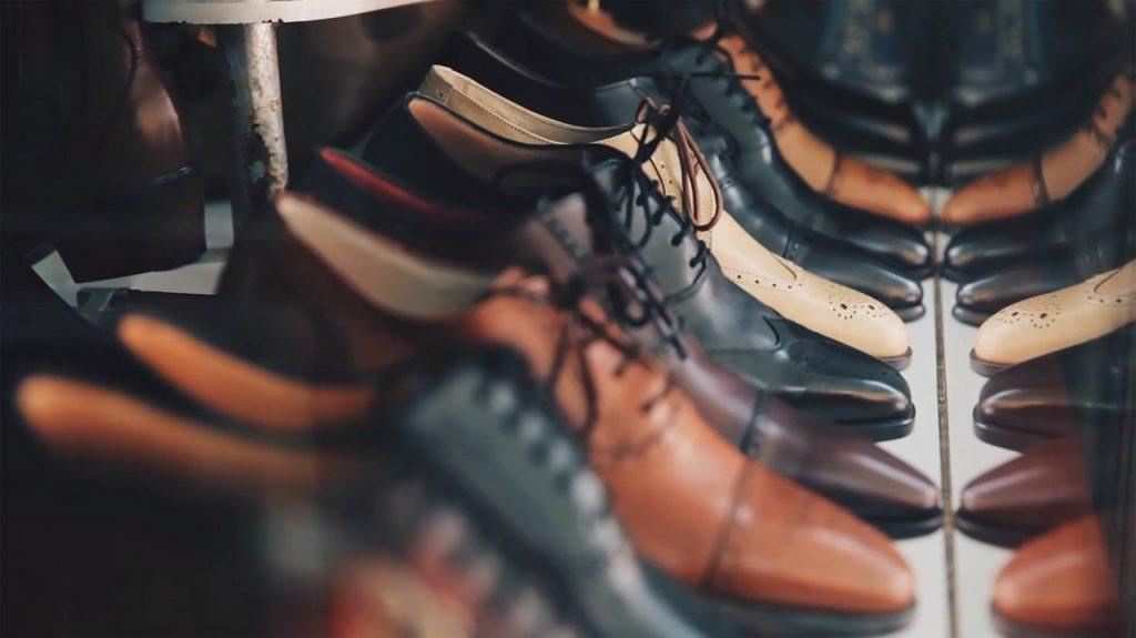 chaussures pour homme en cuir type richelieu